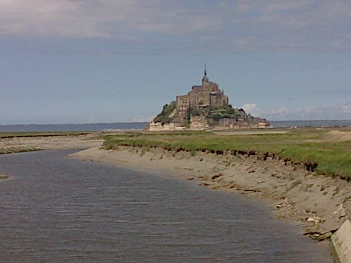 Mont Saint Michel and Couesnon river